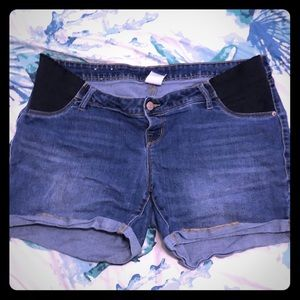 Size 12 Old Navy side panel shorts